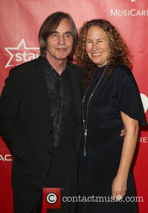 Dianna Cohen and Jackson Browne 2