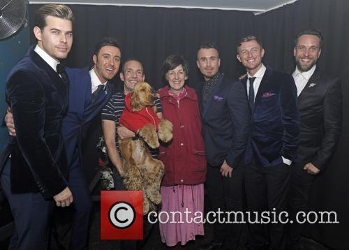 The Overtones, Julie Hesmondhalgh and Jeremy Joseph 3