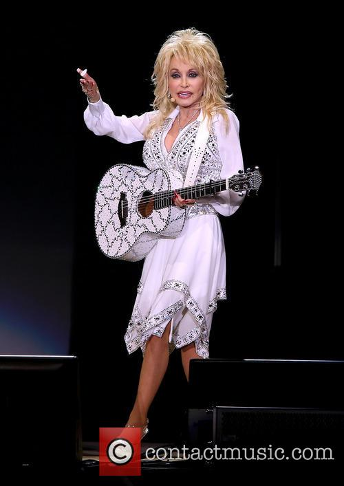 Dolly Parton, Star of The Desert Arena