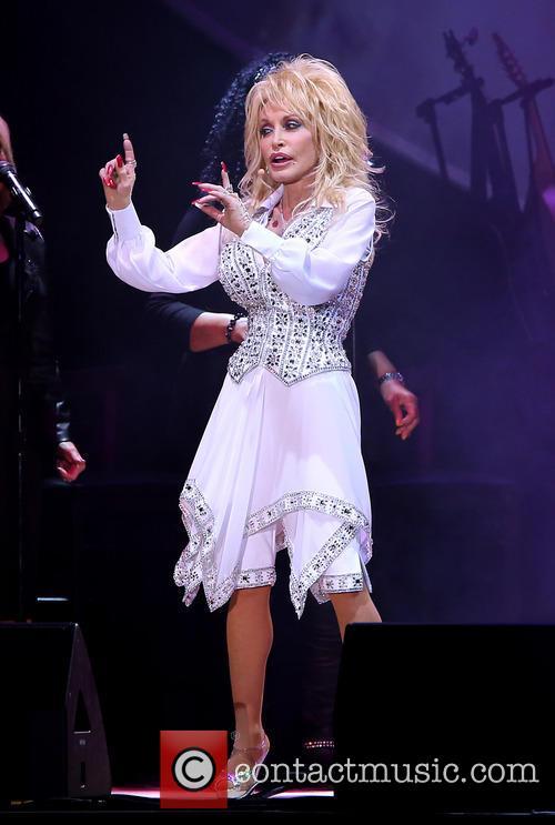 Dolly Parton, Star of The Desert Arena