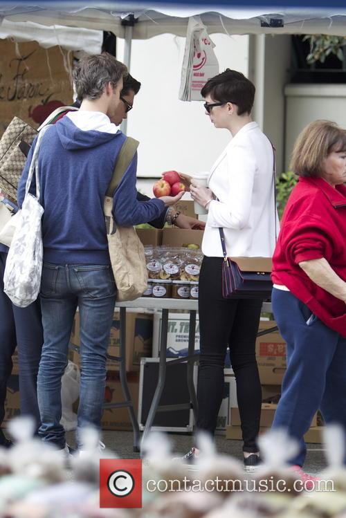Anne Hathaway and Adam Shulman 9