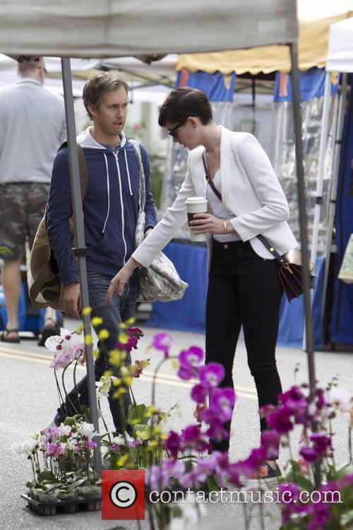 Anne Hathaway and Adam Shulman 26