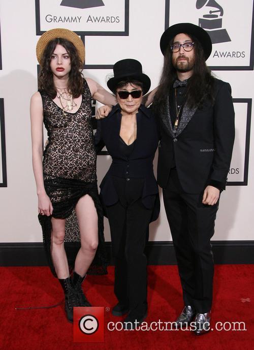 Charlotte Kemp Muhl, Yoko Ono and Sean Lennon 9