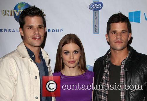 Charlie Carver, Holland Roden and Max Carver 7