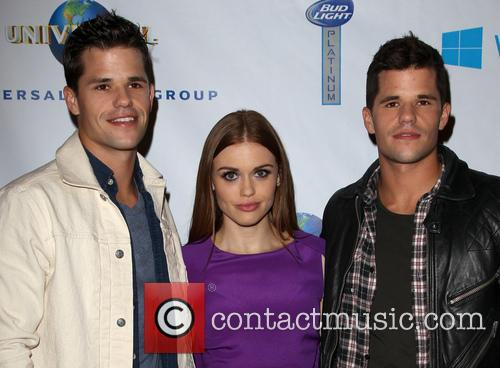 Charlie Carver, Holland Roden and Max Carver 8