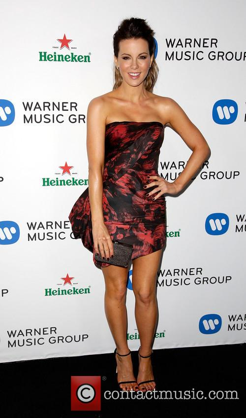 kate beckinsale warner music group annual grammy 4042654