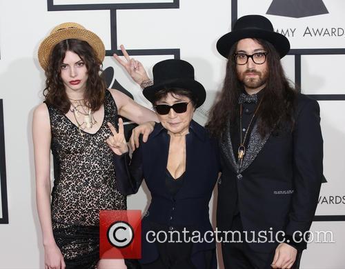Charlotte Kemp Muhl, Yoko Ono and Sean Lennon 4