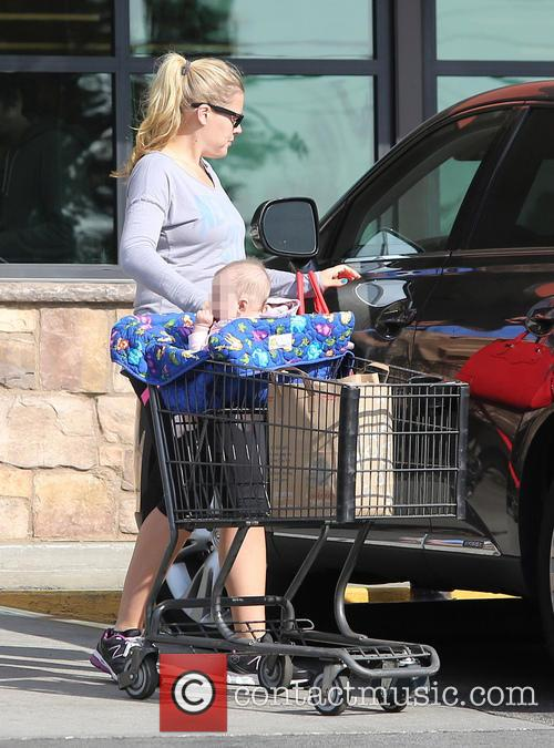 Busy Philipps shopping for groceries with daughter