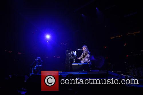 tom odell tom odell performing live 4044633