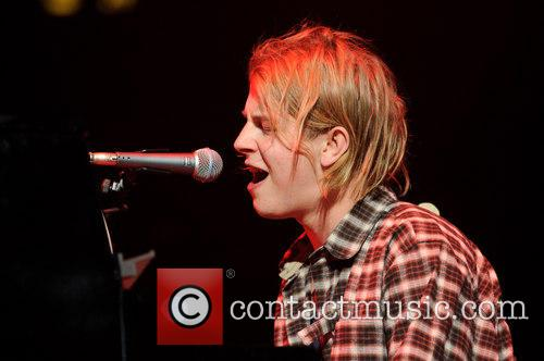 Tom Odell performing live in New York City