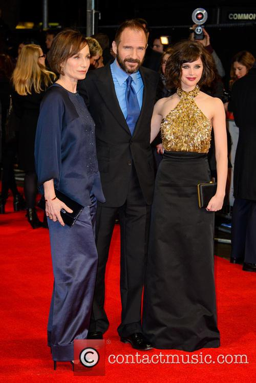 Kristin Scott Thomas, Ralph Fiennes and Felicity Jones 4