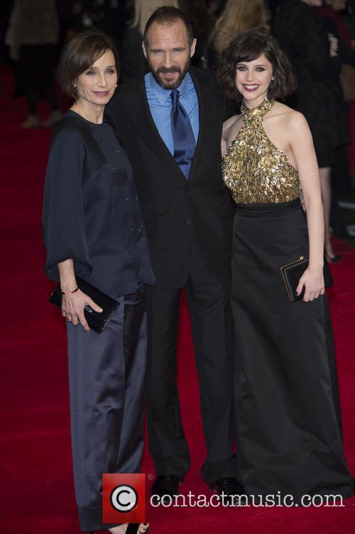 Kristin Scott Thomas, Ralph Fiennes and Felicity Jones 9