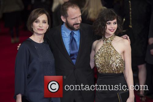 Kristin Scott Thomas, Ralph Fiennes and Felicity Jones 11