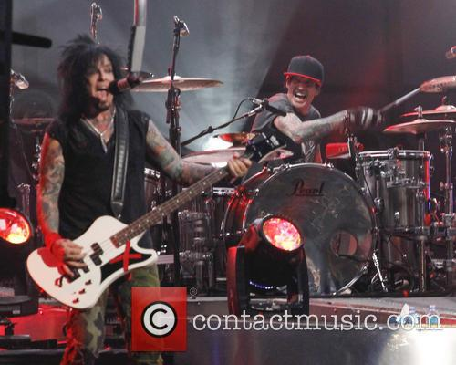 Motley Crue, Tommy Lee and Nikki Sixx 11