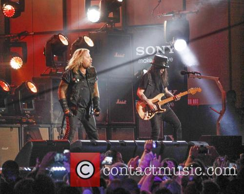 Motley Crue, Vince Neil and Mick Mars 8
