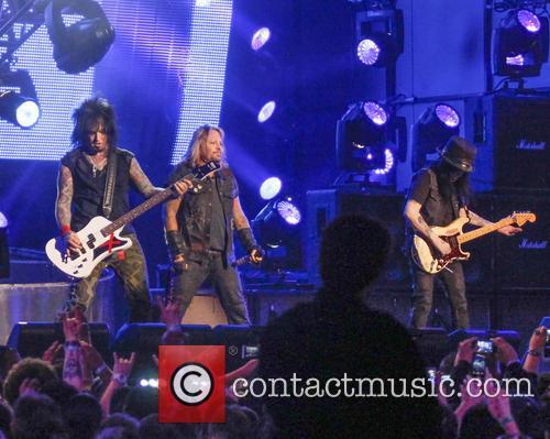 Motley Crue, Vince Neil, Nikki Sixx and Mick Mars 9