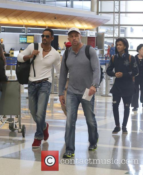 Will Smith, Jaden Smith, Los Angeles International airport