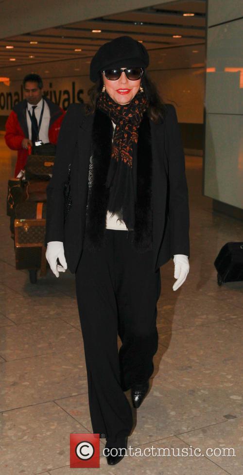 Joan Collins 7