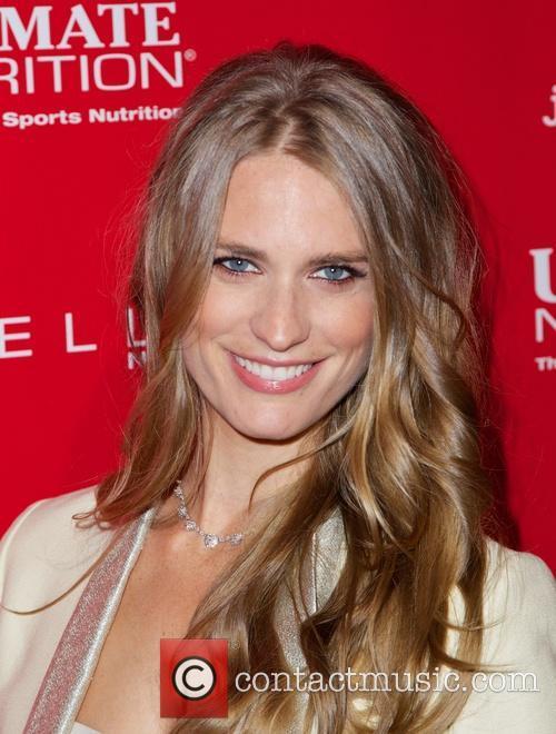 Super Bowl, Julie Henderson
