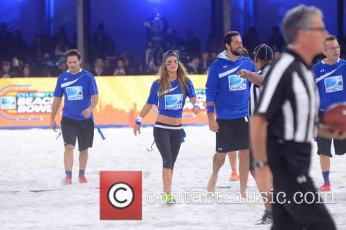 Peter Facinelli, Nina Agdal and Zachary Levi 3