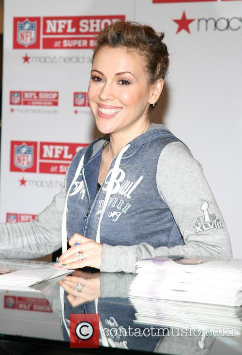 alyssa milano the nfl shop event for 4049008