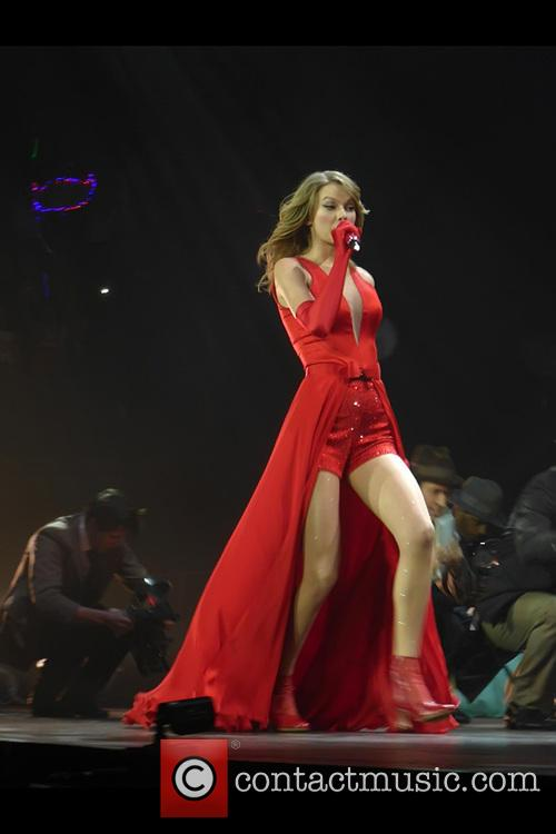 taylor swift taylor swift performs live in 4048947