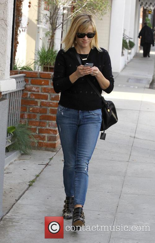 Reese Witherspoon runs errands in Brentwood