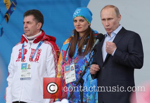 Alexander Kravtsov, Yelena Isinbayeva and Vladimir Putin 4