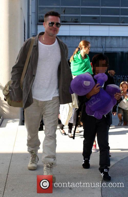 Brad Pitt, Shiloh Jolie-pitt and Pax Thien Jolie-pitt 2
