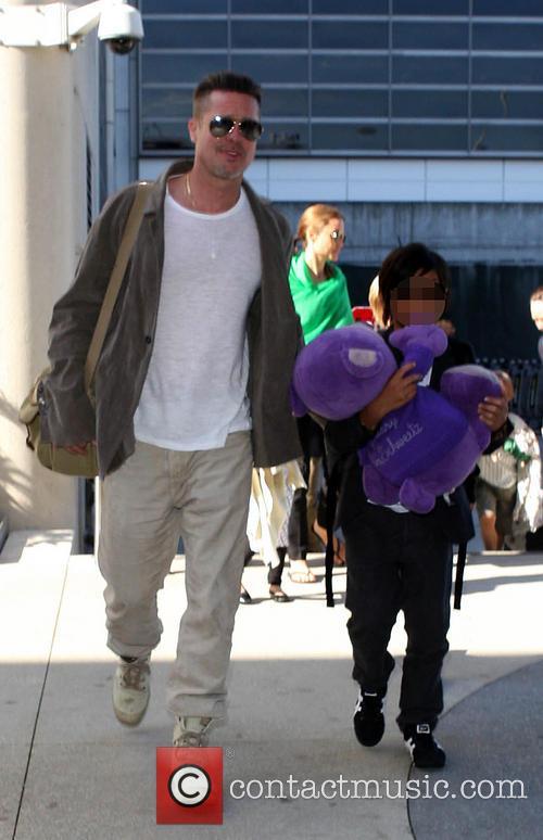 Brad Pitt, Shiloh Jolie-pitt and Pax Thien Jolie-pitt 3