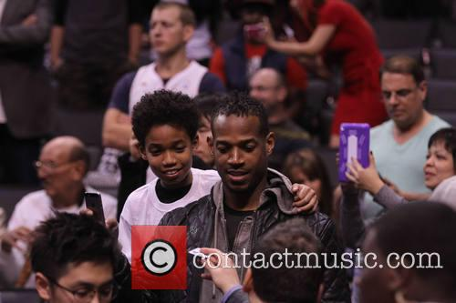 marlon wayans celebs at the clippers game 4054289