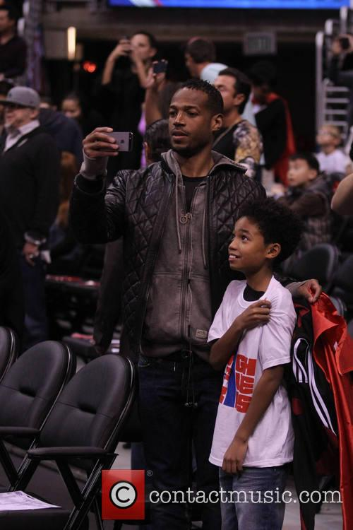 marlon wayans celebs at the clippers game 4054322