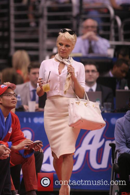 pamela anderson celebs at the clippers game 4054333