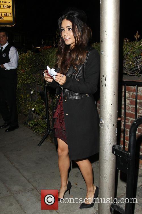 Vanessa Hudgens leaving DBA nightclub