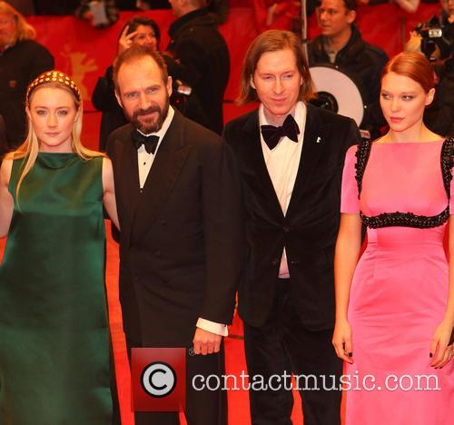 Saoirse Ronan, Ralph Fiennes, Wes Anderson and Lea Seydoux 2