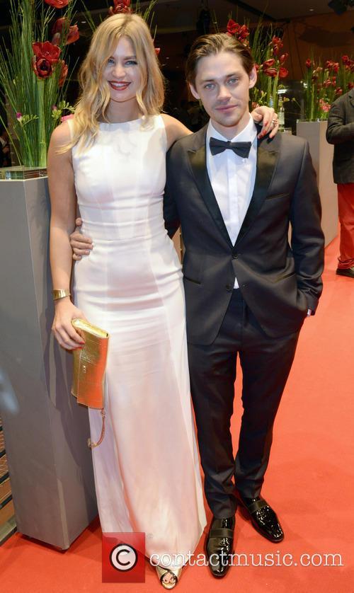 Jennifer Akerman and Tom Payne 1