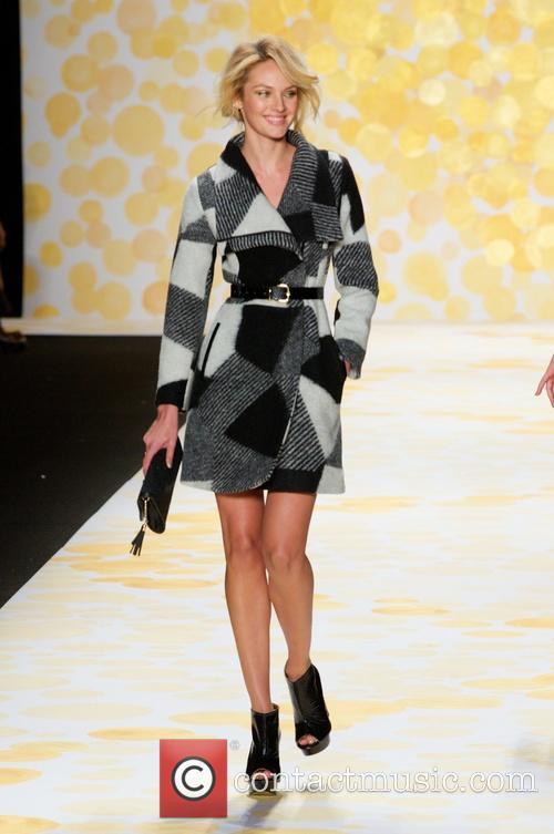 Candice Swanepoel 33