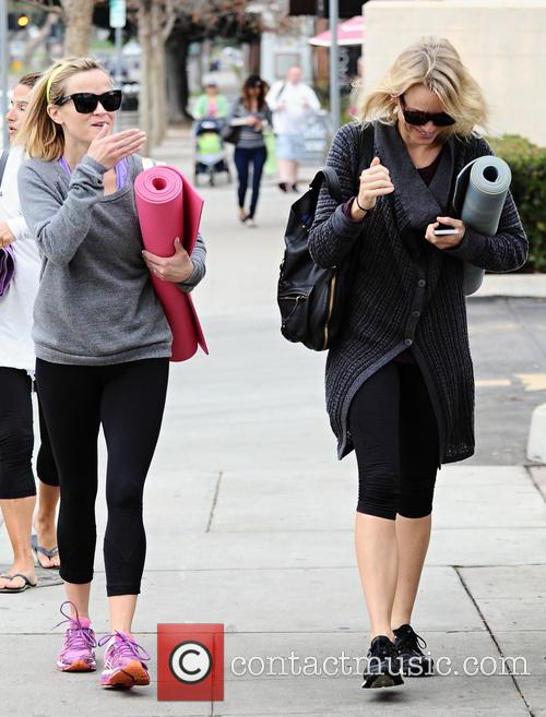 Naomi Watts and Reese Witherspoon 15