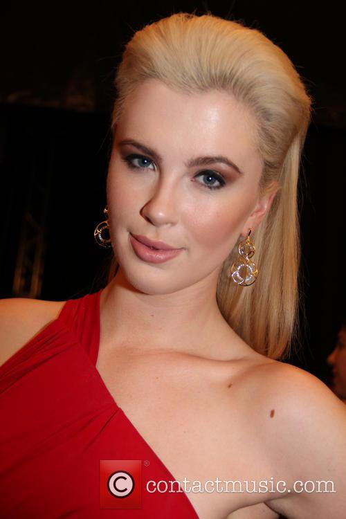 Ireland Baldwin bisexual