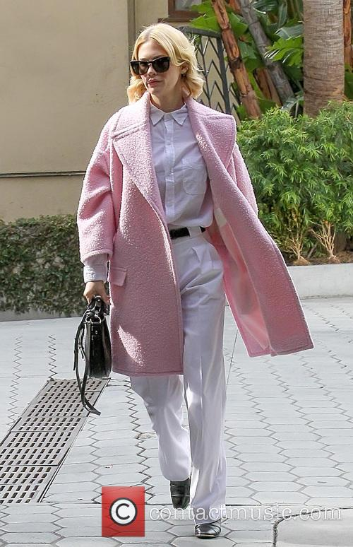 January Jones goes out to lunch