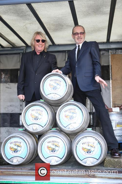 Rick Parfitt and Francis Rossi 9