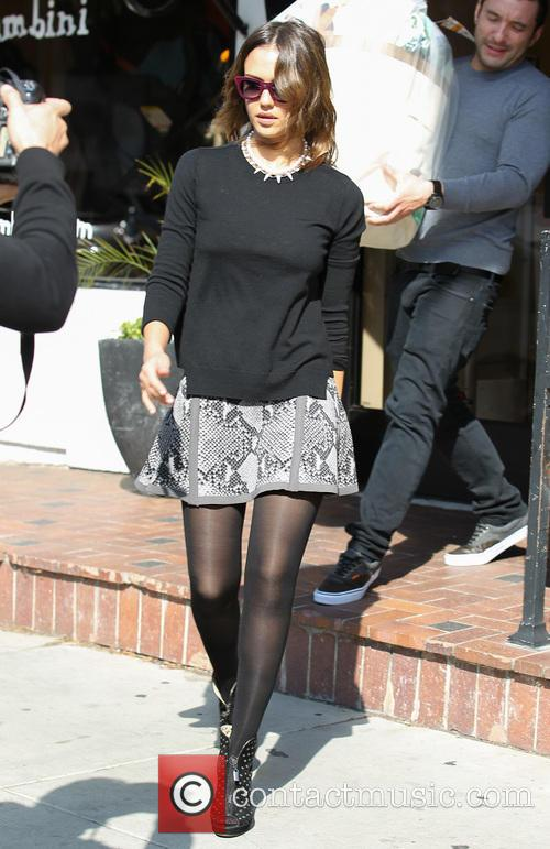 Jessica Alba looking fashionable for party