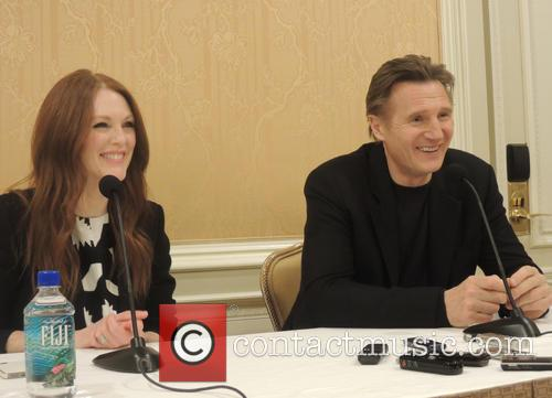 Julianne Moore and Liam Neeson 3