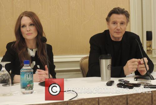 Julianne Moore and Liam Neeson 6