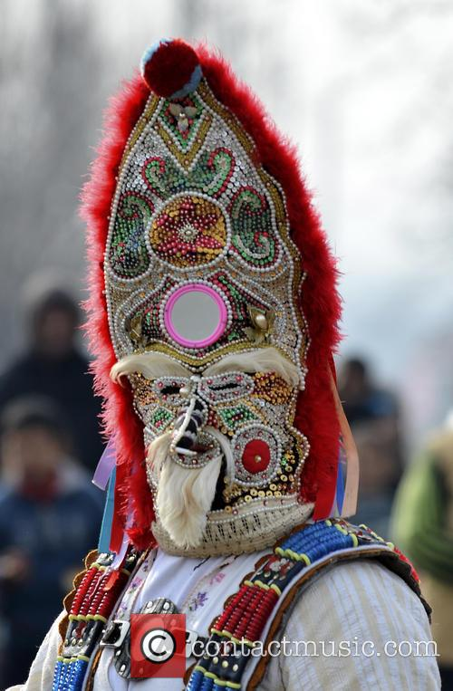 Bulgarians masked as