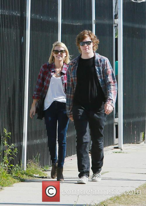 Emma Roberts and Evan Peters 5