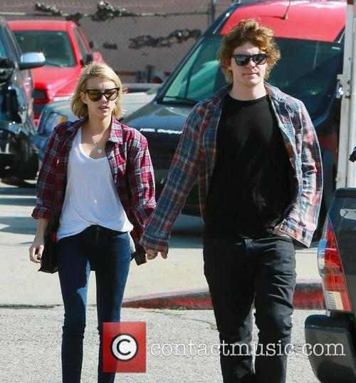 Emma Roberts and Evan Peters 9