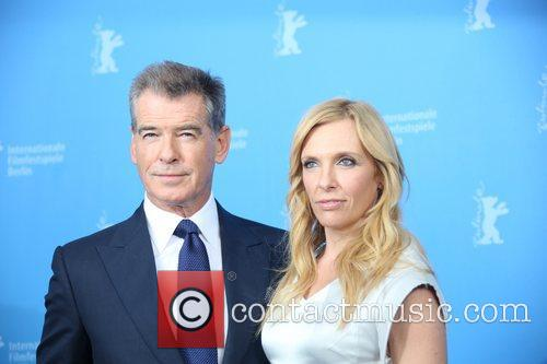 Piierce Brosnan (l) and Toni Collette 5
