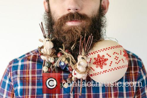 Man Puts Things In His Beard
