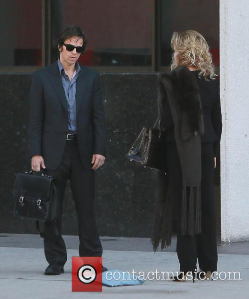 Mark Wahlberg and Jessica Lange 6
